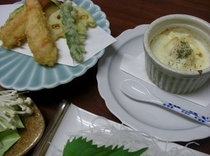 天ぷら、豆腐のグラタンの一例です。