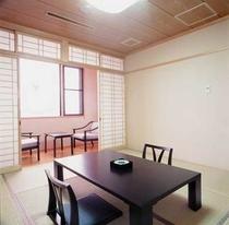 客室 和室8畳