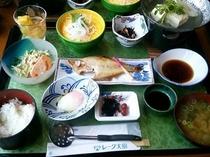 【朝食】 和定食