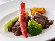 牛ほほ肉の煮込み(夕食一例)/レストラン