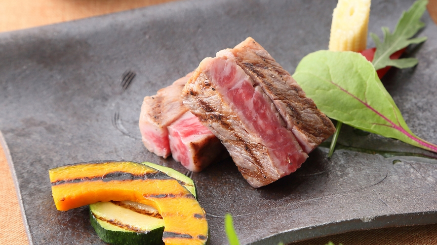 【夕食】創作ステーキ会席 一例 /レストラン