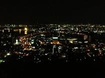【高塔山公園(夜景)】ホテルより車で約22分