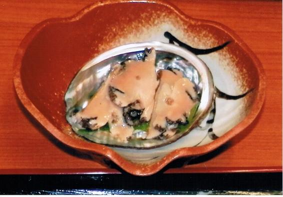 【1泊2食付】ウニ・アワビ等三陸産食材を用いたお食事をご提供!自作のひば風呂も大好評!!