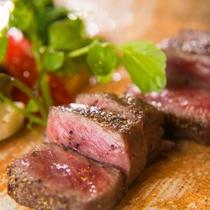 選べるメイン・米沢牛のサーロインステーキ例