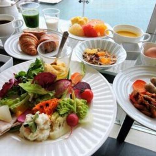 朝食ブッフェ お皿盛り