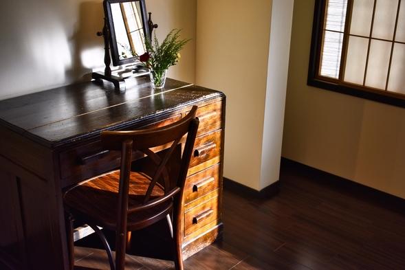 【通常プラン】アンティーク家具で揃えた内装が魅力的な一棟貸切京町家【清水寺・祇園が徒歩圏内】