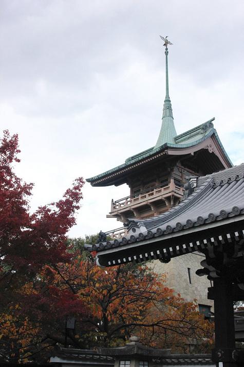 近隣風景:祇園閣(歩6分)