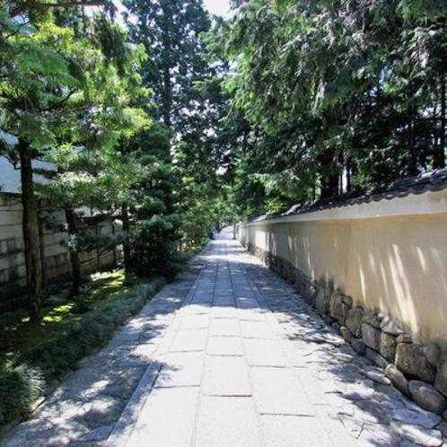近隣風景:建仁寺(歩8分)