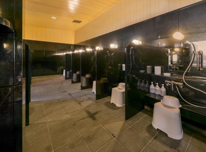 大浴場(洗い場)◆シャンプー、リンス、ボディーソープはご準備しております。