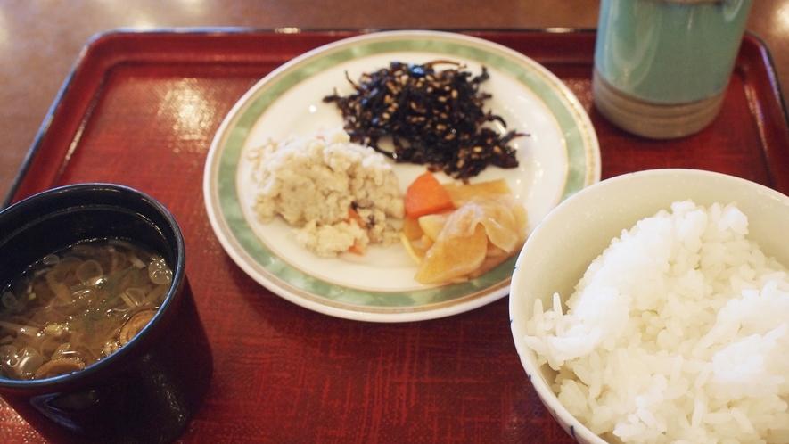 *ご朝食はレストランにて和洋バイキングをご用意いたします