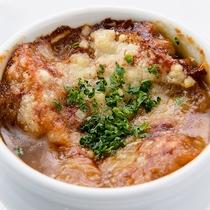 オニオングラタンスープ/12階レストランG