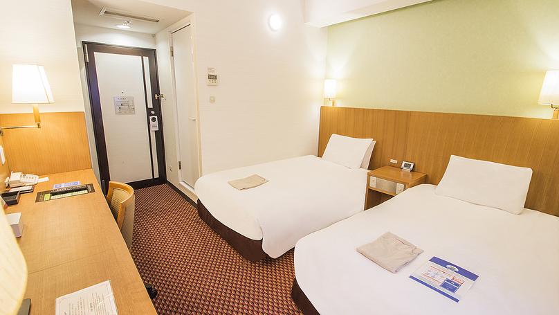 ■ツインルーム(本館):16m2・110cm195cm2(シモンズ社製)のベッドをご用意。