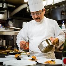 お料理は、数々の受賞歴を誇る関西フレンチ界の重鎮・石井之悠シェフが監修。