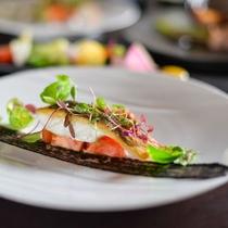 大自然の山々と清流に育まれた海山川の幸が揃う但馬エリアは、美味しい食材の宝庫。