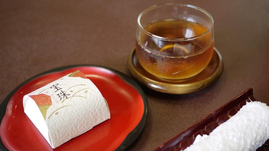 *お部屋イメージ:お茶菓子
