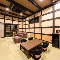 【特別室(桔梗)】開放的なスペースで贅沢なひとときをお過ごしください。