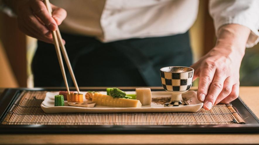 【お食事】直前までより良い仕入れに努め、愛媛の旬魚介をご提供(例)