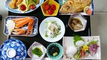 *夕食一例/魚介類中心の日替わり『舟盛り宴席』をご用意します。