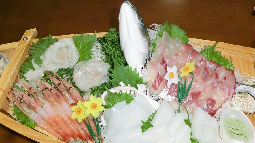 *夕食一例/蟹だけじゃない!シーズン以外は鮮魚の舟盛りが魅力♪