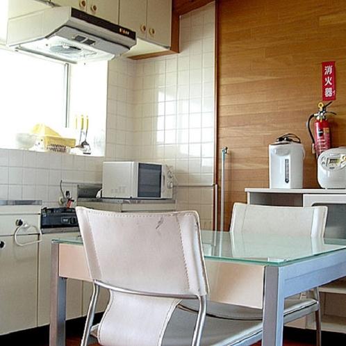全室キッチン・調理セット付で長期滞在にも便利です☆