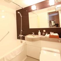 改装後のバスルームは、よりお寛ぎ頂ける空間になっております。