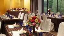 宴会場/用途に合わせたテーブルレイアウトなど経験豊富なスタッフが各種会場準備をご対応致します。