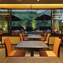 近江ダイニング 橘菖/時間と共に表情を変える彦根城の風景と共に、日本料理会席をどうぞ。