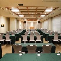 会議室/用途に合わせたテーブルレイアウトなど経験豊富なスタッフが各種会場準備をご対応致します。