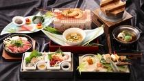 おもてなし会席/地元の食材をはじめ、旬の味覚を盛り込んだ日本料理をお召し上がりください。