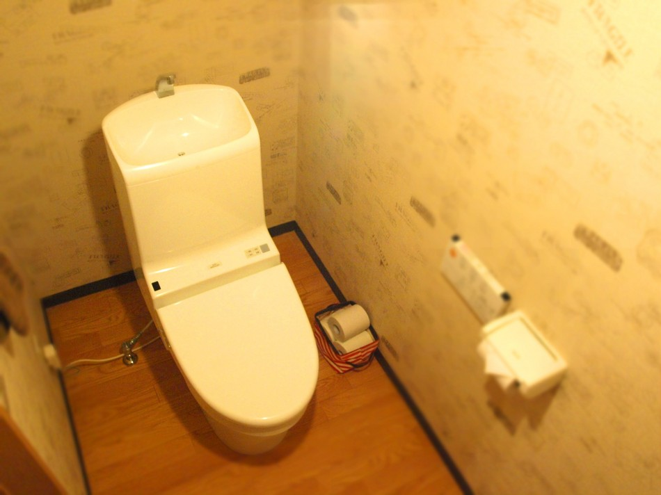 各寝室にトイレがついております。