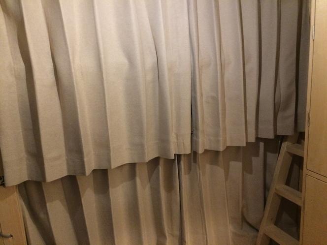 ベッドカーテン