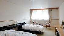 【洋室一例】シングルベッドを2つ入れた洋室です