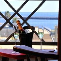 【海側客室】海を見ながらシャンパンを…