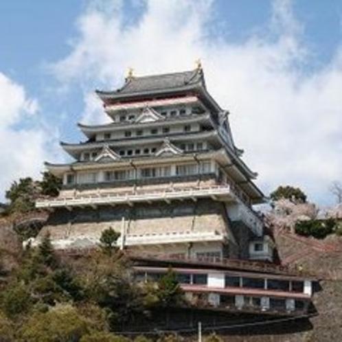 桜と夜景の名所「熱海城」