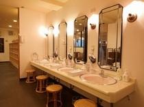 1F大浴場パウダールーム