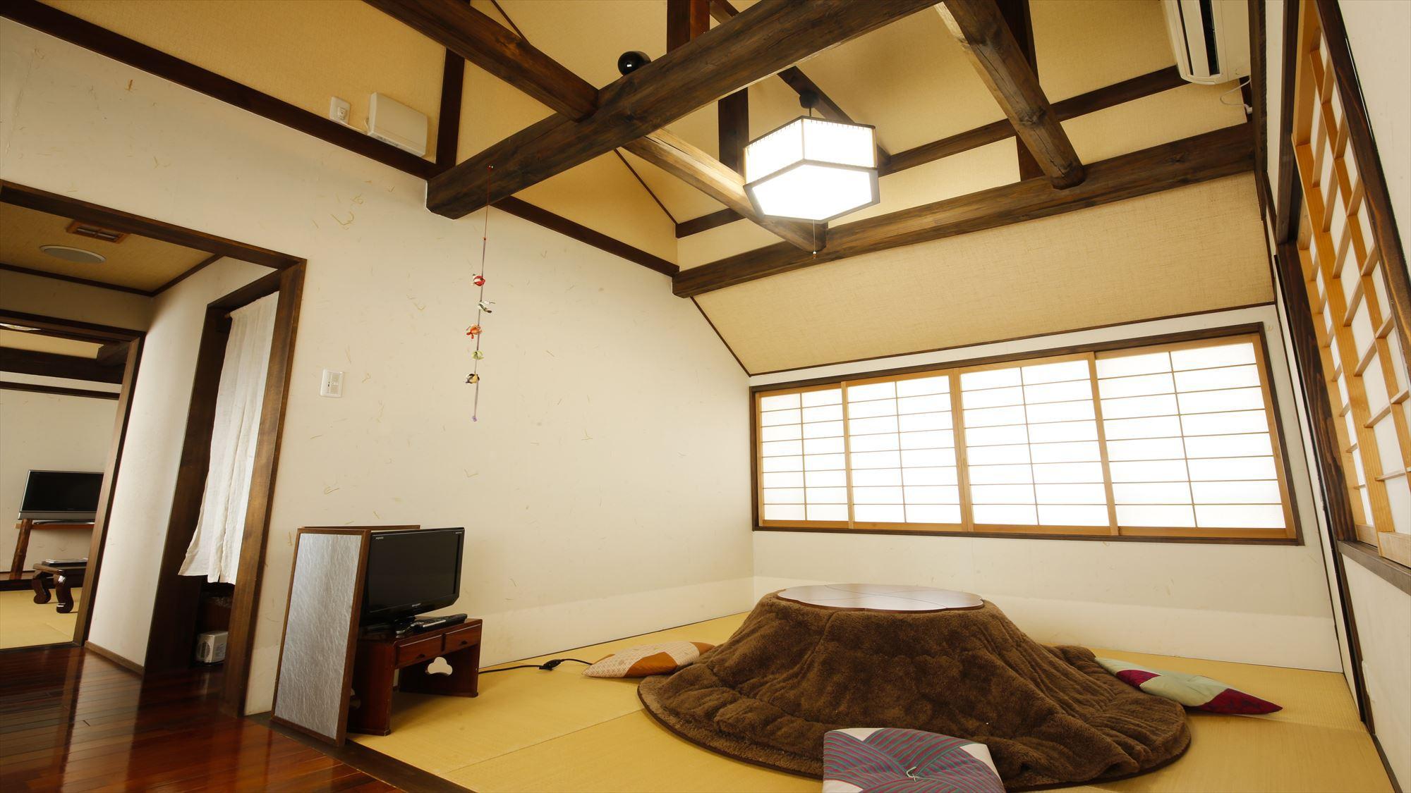 鹿鳴山荘の菖蒲の間はお部屋入り口から専用階段を上る2階に位置