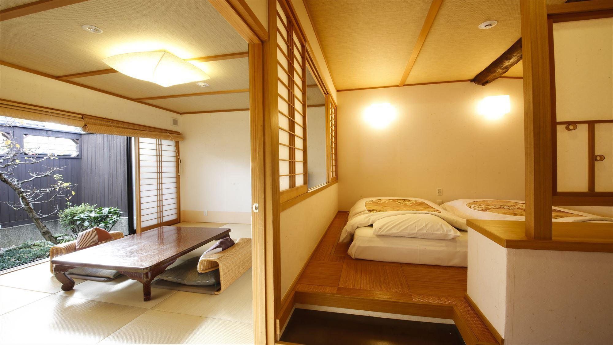 鹿鳴山荘 梅 露天風呂付きのお部屋です。二間に分かれた12畳のお部屋です