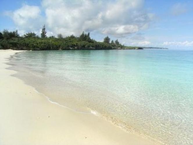 徒歩5分のパイナガマビーチ