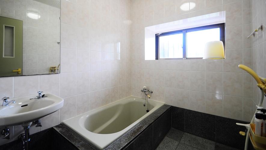 【浴室】清潔な浴室で女性にも安心です◎
