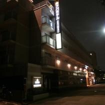 外観【夜】