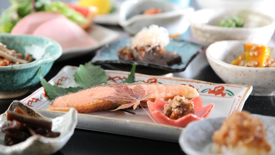 【朝食】旬野菜盛り沢山手作りお惣菜朝食膳