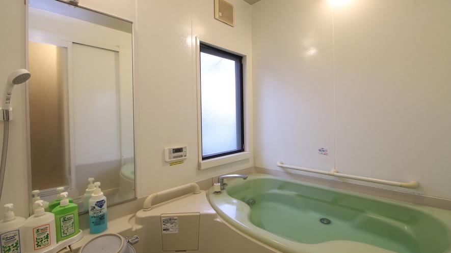 共同浴場の小タイプは家族風呂のタイプ☆小さなお子様連れに最適な浴室です
