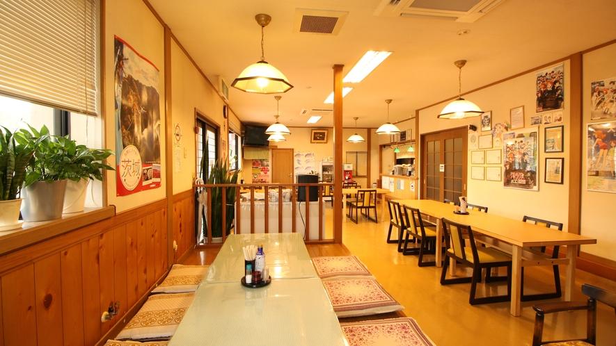 食堂では民宿にお泊りの方の夕飯とすべてのお客様の朝食会場となります