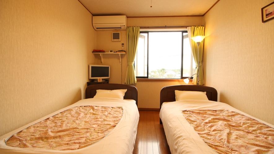 【民宿ツイン】シンプルながら清潔感の溢れた快適な空間です