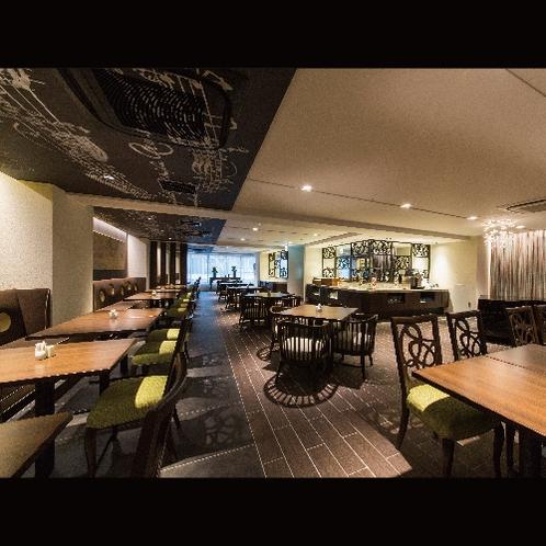 【レストラン】午後からは宿泊者専用ラウンジとして、京都観光の計画や寛ぎの場に。