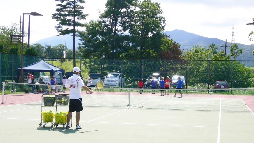 *テニスコート(有料・要予約)