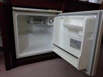 【冷蔵庫】全部屋に完備しております