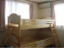二段ベッドの個室