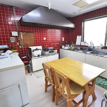 【キッチン】 自炊ご希望のお客様にはキッチンを解放しています♪