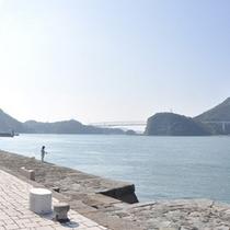 【三角西港】 県内外から釣り人が訪れます。
